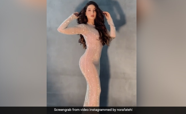 Nora Fatehi gets a stylish photoshoot in a bodycon dress, see viral video
